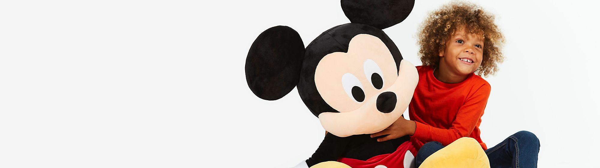 Produits Disney Disney est un monde magique qui plaît à la fois aux petits et aux grands ! Avec tous ses univers, il fait le bonheur de chacun. DÉCOUVRIR NOS FILMS
