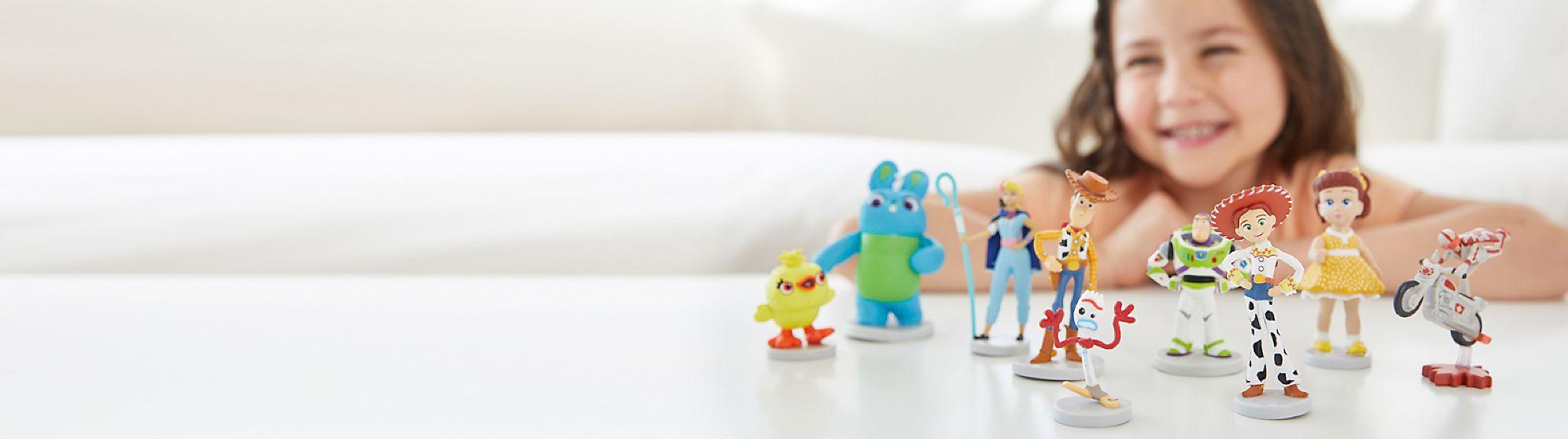 Sets de figuras ¿Qué mejor que tener a tus personajes favoritos juntos? Descubre nuestros sets de figuras. ¡Comienza la aventura!