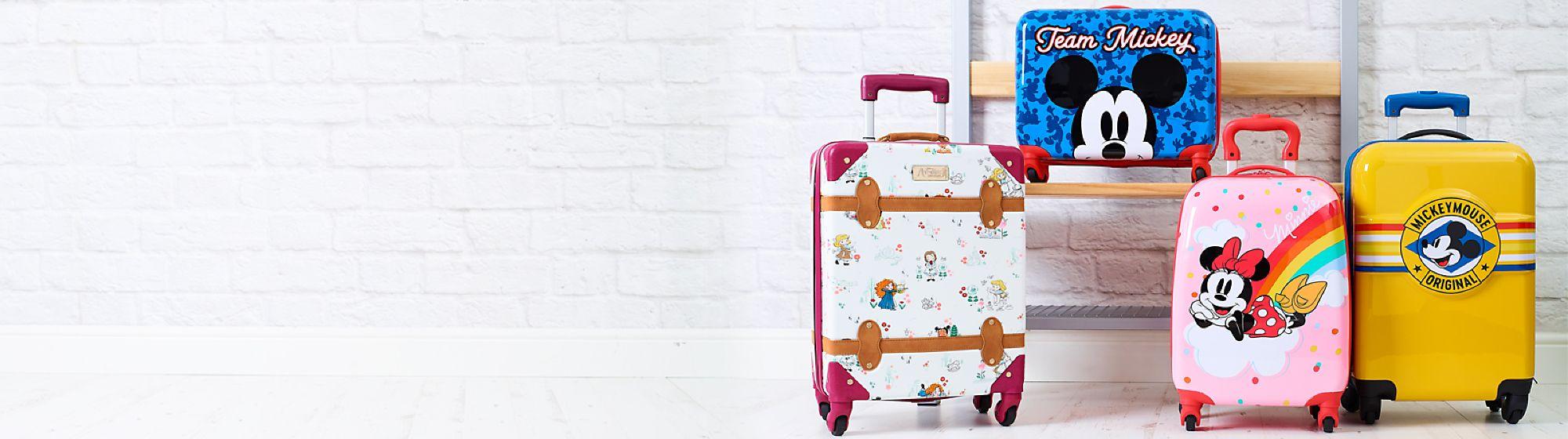 Valigie e trolley Parti per un magico viaggio con la nostra gamma di valigie e trolley Disney, Pixar, Star Wars e Marvel