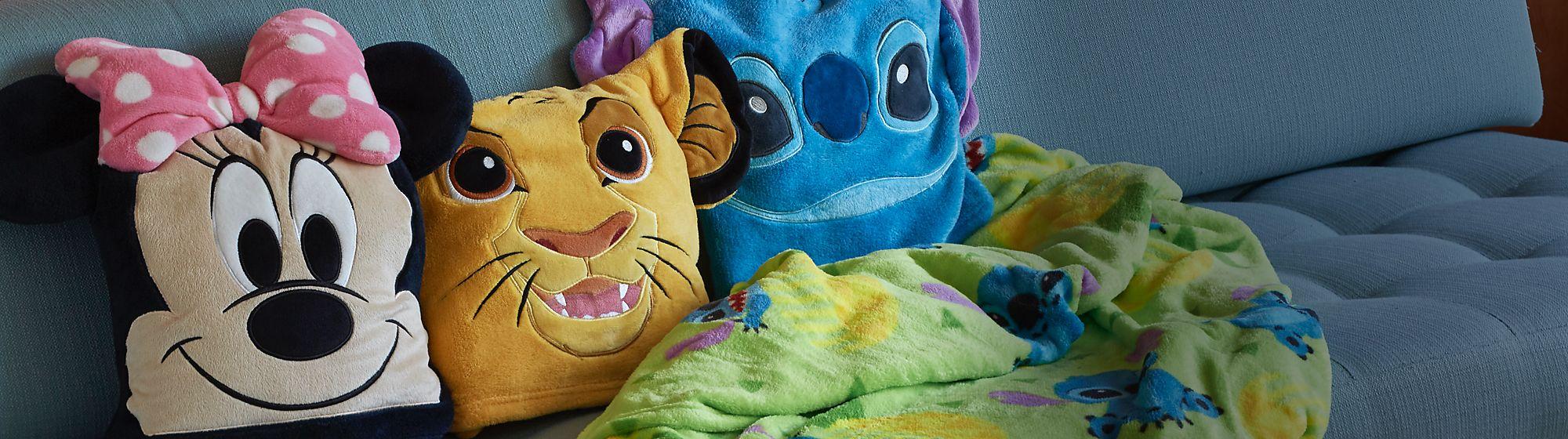 Cuscini Aggiungi un po 'di magia alla tua casa con la nostra gamma di cuscini Disney, Pixar, Star Wars e Marvel