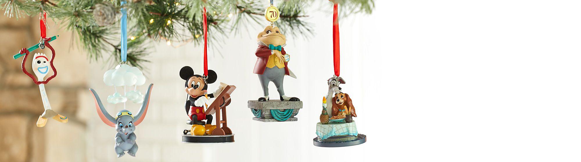 Décorations de Noël Lancez les festivités en accrochant dans votre intérieur et sur votre sapin nos décorations féériques VOIR LA COLLECTION