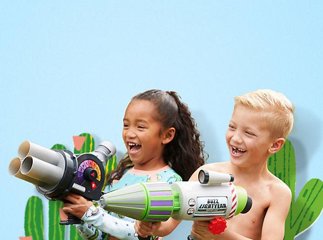 Giochi all'aria aperta L'avventura è là fuori, con i nostri set da gioco, le bolle di sapone e tanto altro ACQUISTA ORA