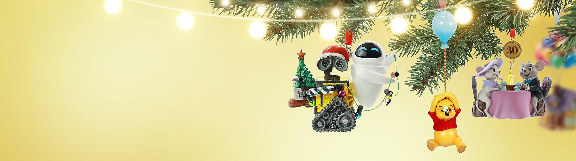 Decorazioni natalizie Prendi i rami e l'agrifoglio per ornare le tue sale, ma non scordare le nostre magiche decorazioni