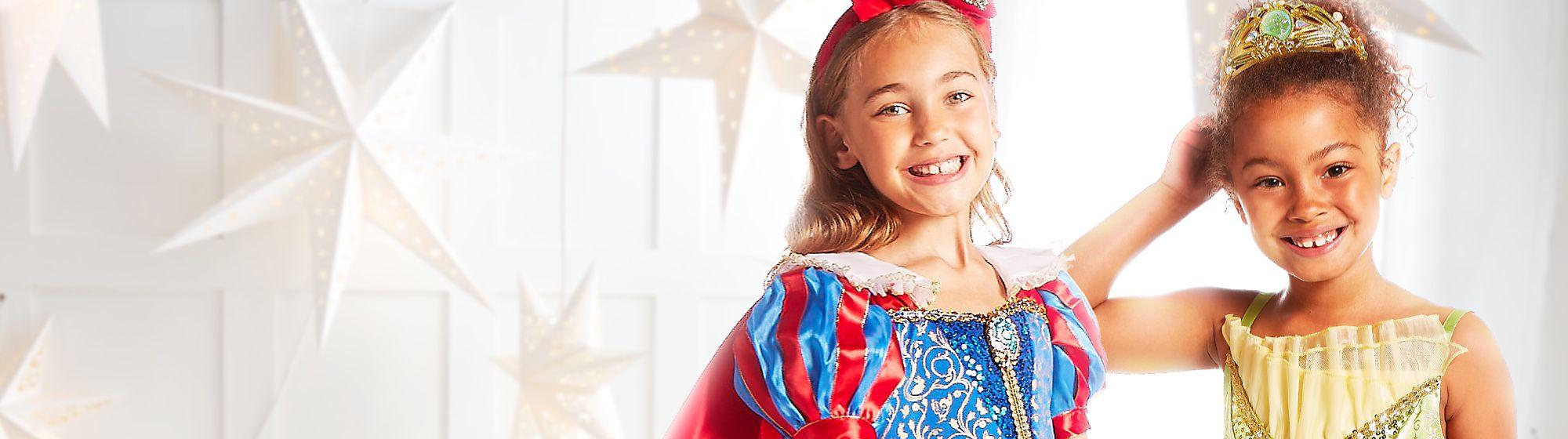 Déguisements Princesses Disney Votre rêve de prendre l'apparence de Belle, Elsa ou Blanche-Neige devient réalité grâce aux déguisements de princesses Disney !