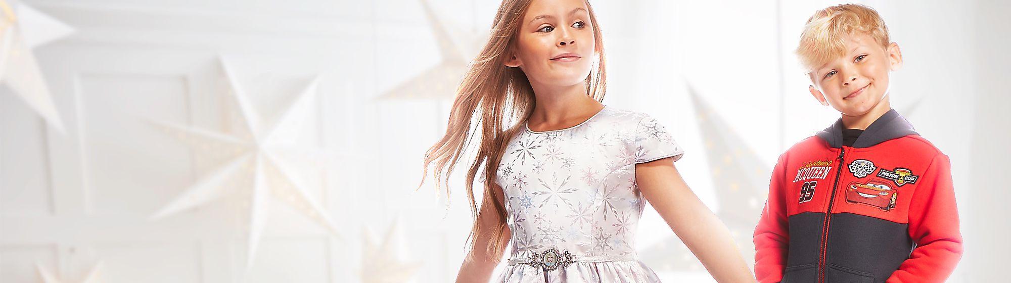 Mode enfants Pour être à la mode de Disney, votre enfant sera ravi de porter robe, T-shirt ou encore pantalon à l'effigie de ses personnages Disney préférés ! VOIR LA COLLECTION