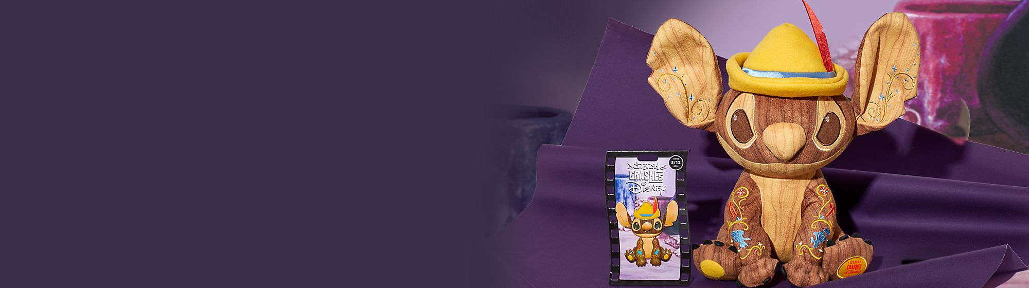 Stitch Crashes Pinocchio Sammle Anstecknadel und Kuscheltier der Serie 5 von 12 in limitierter Edition  Erhältlich ab dem 18. mai 2021