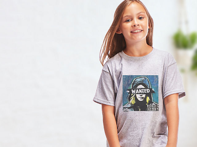Kids Customised T-Shirts Explore an all-new selection of kids personalisable T-shirts!