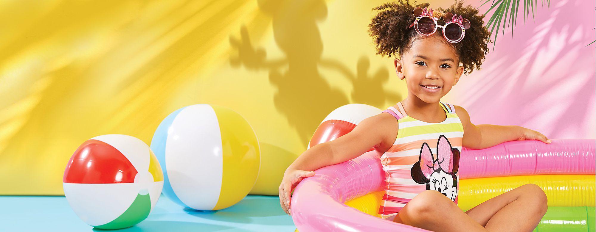 Tienda de verano Descubre el lado positivo de la vida con nuestros alegres conjuntos, nuestros juguetes y un montón de artículos más COMPRAR