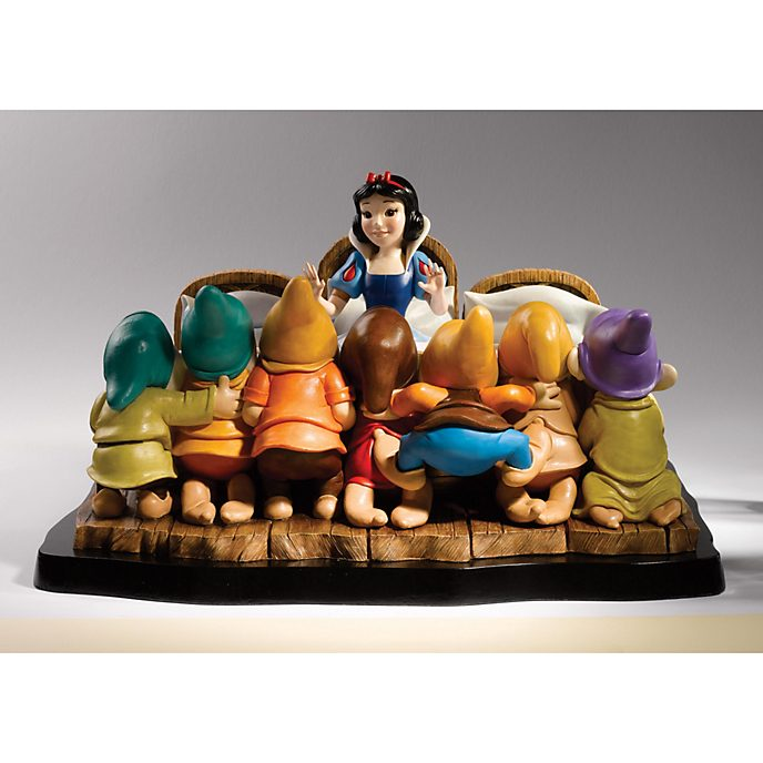 A Moment In Time - Snow White And The Seven Dwarfs Deluxe Limited Edition Figurine