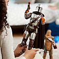Disney Store Figurine The Mandalorian articulée et parlante