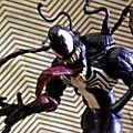 Diamond Select muñeco acción Venom, edición coleccionista