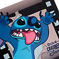 Disney Store Livre de collection de pin's Stitch Crashes Disney